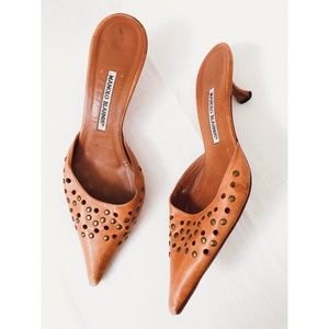 Manolo Blahnik point toe studded kitten heels 41
